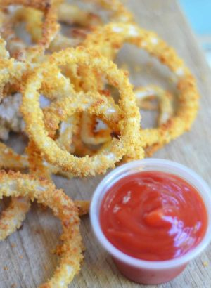 These onion rings are baked and so easy!!