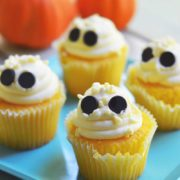 These ghost cupcakes are so easy you won't believe it. A video tutorial for making these easy ghost cupcakes is included.
