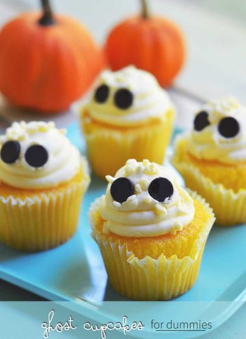 easy ghost cupcakes (busy mom hack)