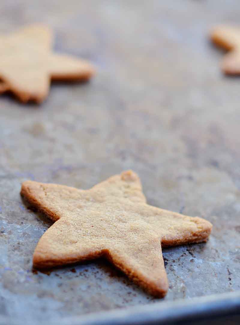 Gingerbread Cookies With Egg Nog Icing Nelliebellie Recipe