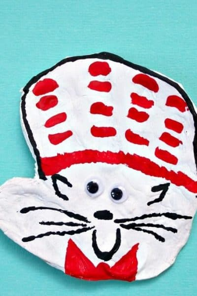 Cat in the Hat handprint craft