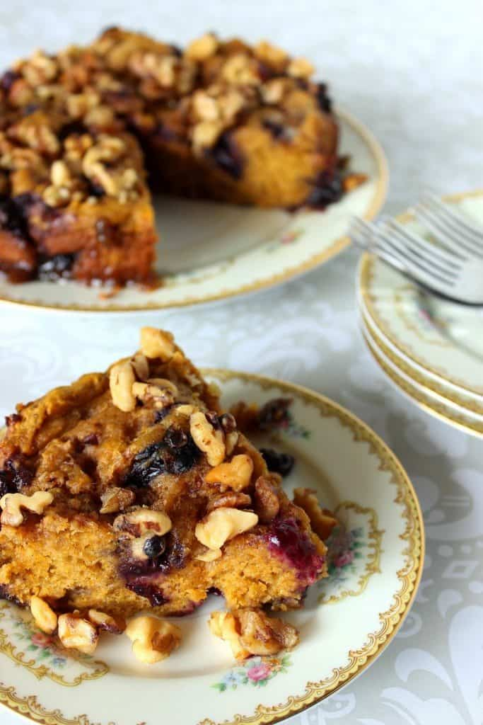 pumpkin-and-blueberry-cake-finish-5-683x1024