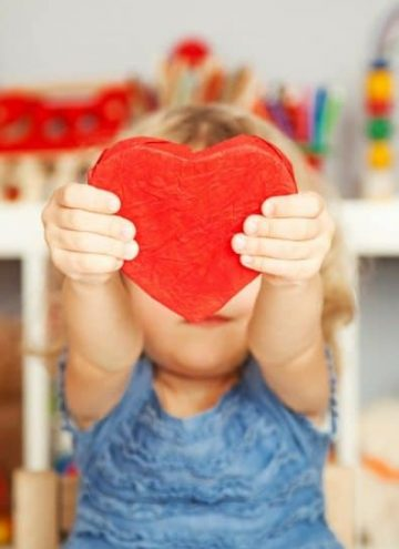 Top 11 non-candy Valentines for busy mom's to just buy!
