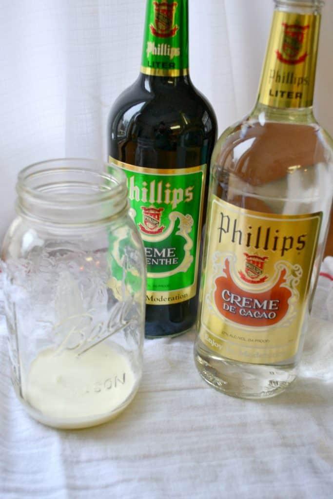 Grasshopper cocktail recipe   a NellieBellie recipe for cocktails - photo#30