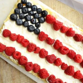 easy berry tart with puff pastry crust