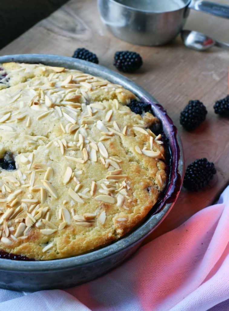 almond blackberry cobbler