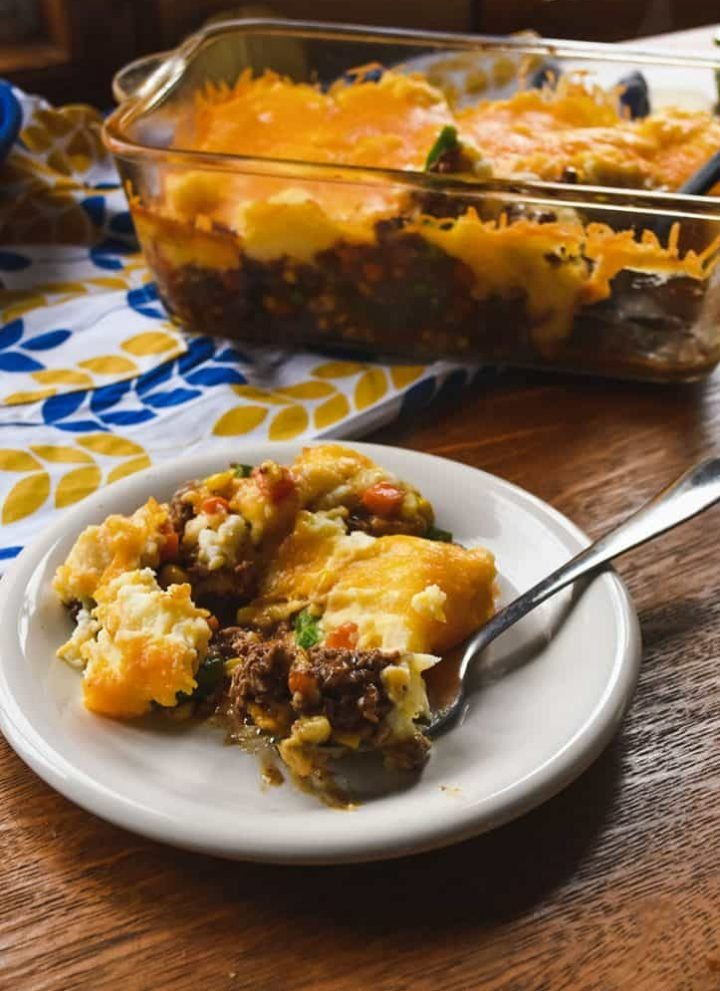 An easy ground beef dinner recipe that is the best of comfort food! Shepherds Pie (or cottage pie when made with ground beef) is a quick and easy family meal. Made with prepared ingredients to get it in the oven even faster!