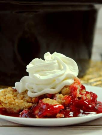easy 3 ingredient strawberry dump cake