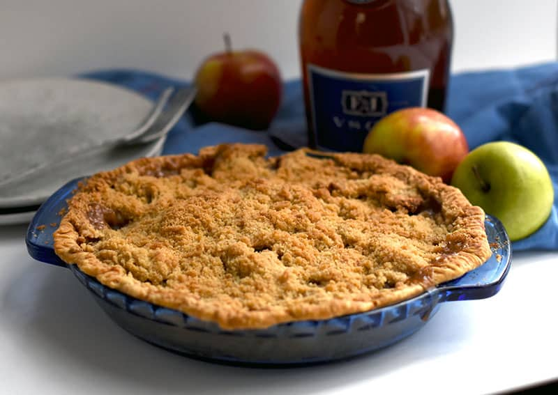 A delicious brandy apple crumble pie is perfect for fall! Don't skip this recipe! #applepie #brandy