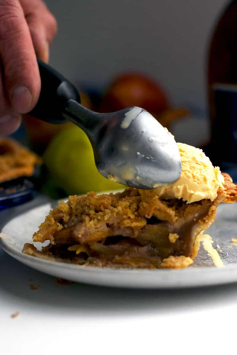 Apple Crumble Pie with Brandy