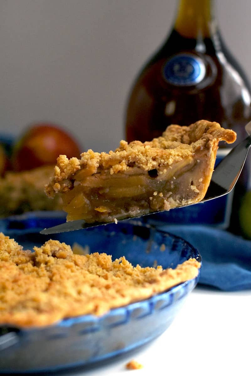 An apple pie full of brandied apples and delicious crumble topping! #crumbleapple #brandy