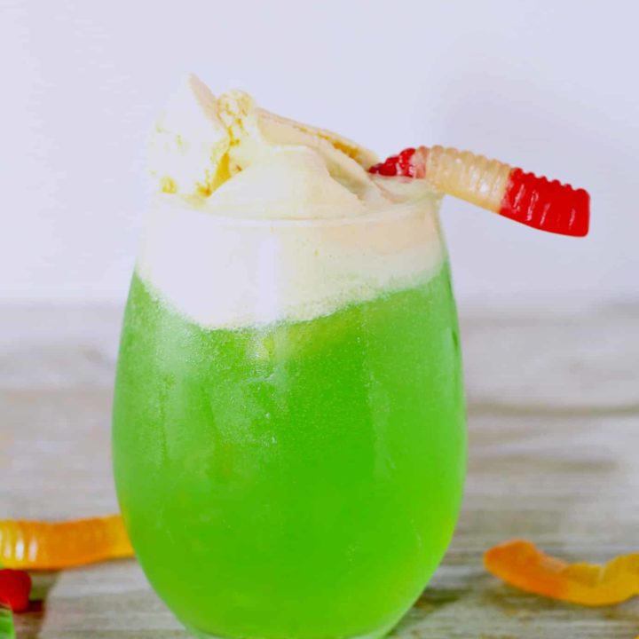 Scary Halloween Punch. Only 4 ingredients to make this Witch's Brew.
