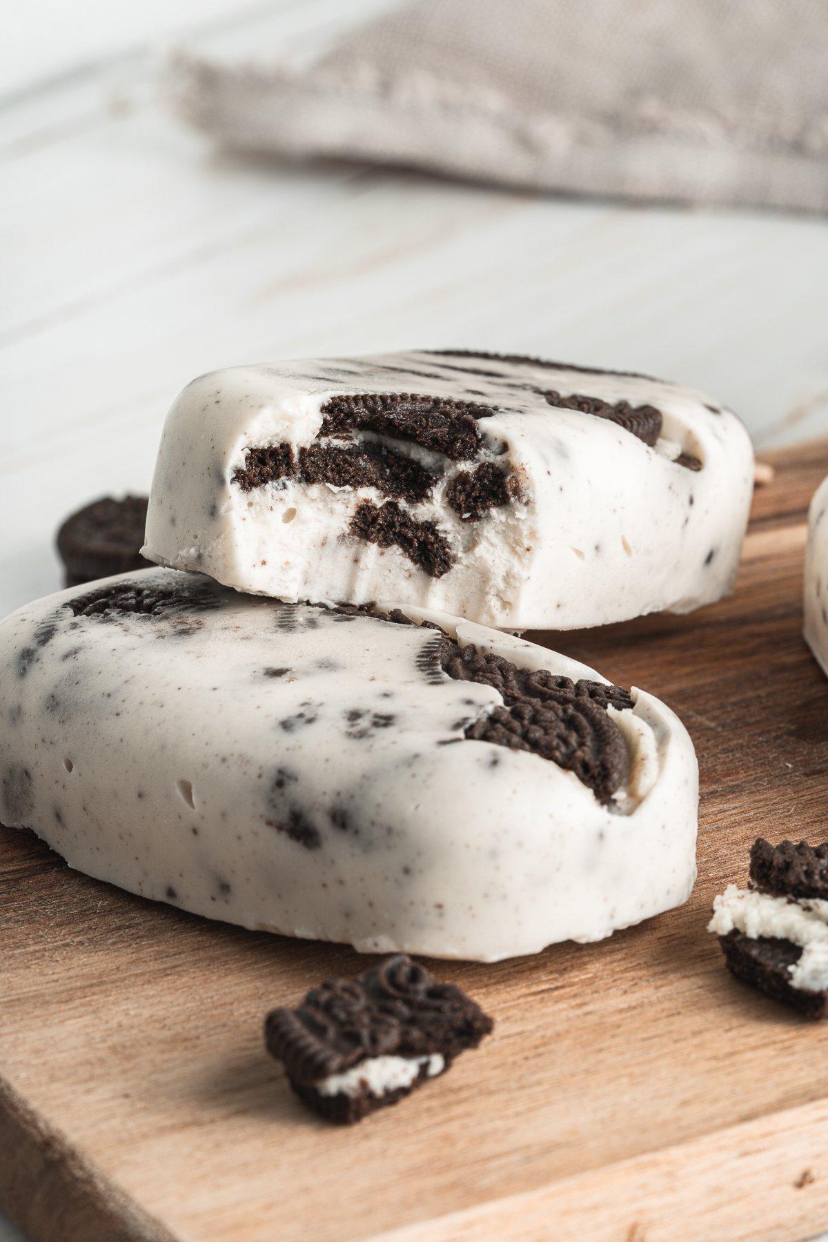 Cookies and Cream Oreo Popsicle