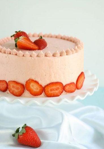 easy homemade strawberry cake