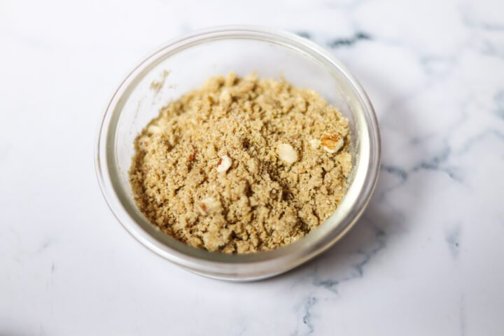 crumble for blueberry cake