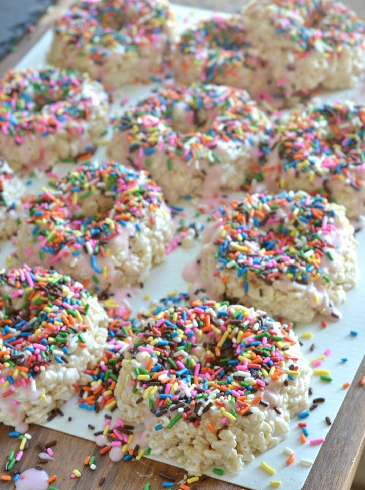 rice krispie treats turned into donuts