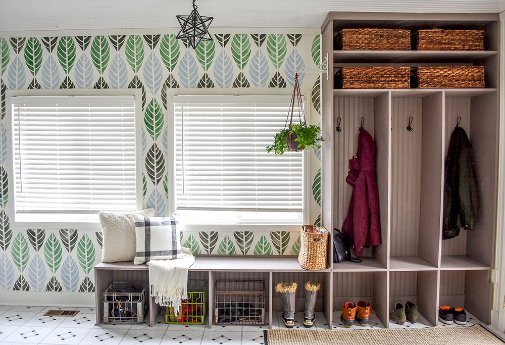 Beautiful stenciled wall and custom cubbies for an entry update.