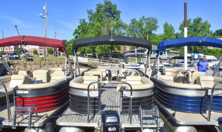 Pontoons at Stillwater Boat Rental