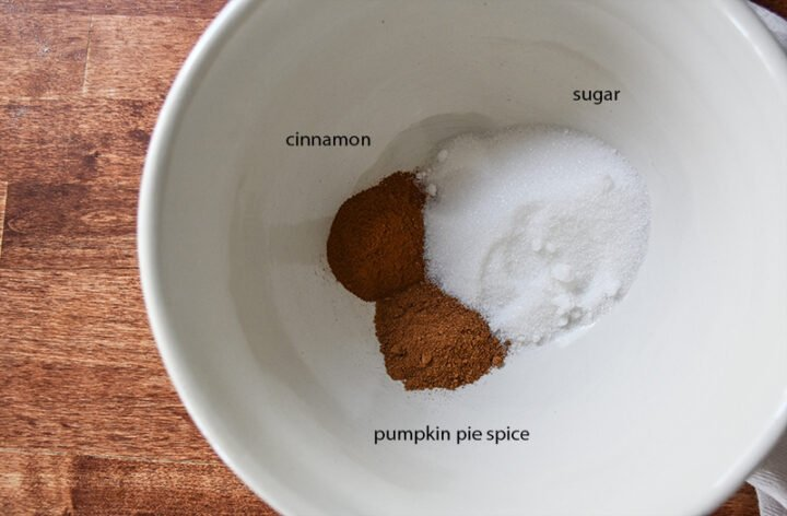 spice and sugar mixture