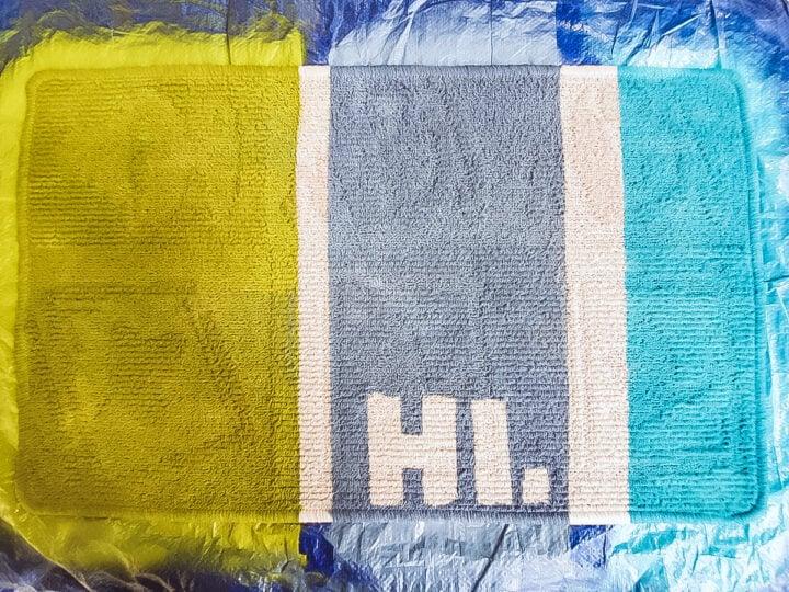 HI welcome mat- a cute DIY project.